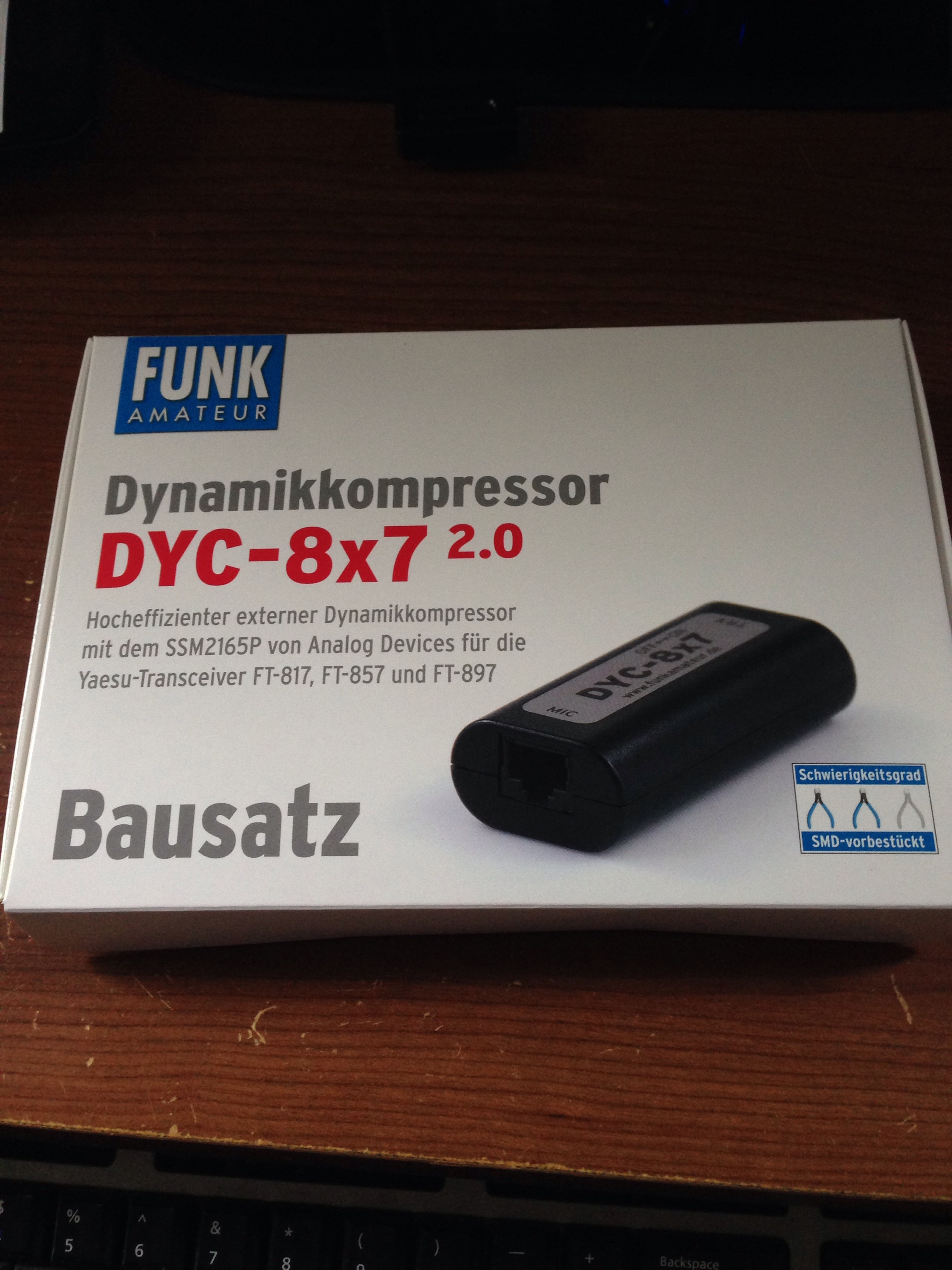 The Dyc 87 20 Dynamic Speech Compressor Kit Adventures In Condenser Microphone Schematic For Yaesu Mh31 One Surface Mount Capacitor Integrated Circuit Two Pots And A Switch Assembly Proceeds Smoothly With Only Warning Being To Ensure Parts